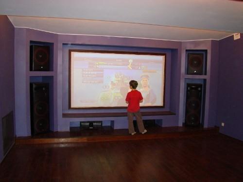Персональный кинозал, 2006 г., Загородный дома (цокольный этаж), Акустика Cervin-Vega!, проектор InFocus (фото 2)