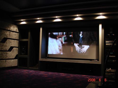 Персональный кинозал, 2006 г., Загородный дом (мансардный этаж), Акустика Genelec HT-серия,  проектор NEC (фото 1)