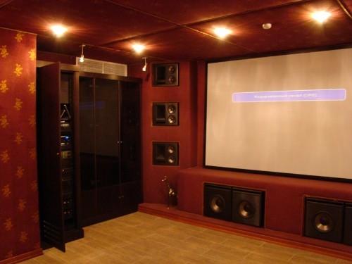 Персональный кинозал, 2009 г., Загородный дома (цокольный этаж), Акустика Klipsch THX-серия, проектор InFocus (фото 2)