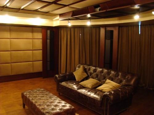 Персональный кинозал, 2006 г., Загородный дома (цокольный этаж), Акустика Cervin-Vega!, проектор Optoma (фото 2)