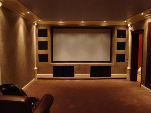 Персональный кинозал, 2008 г., Загородный дом (цокольный этаж), Акустика Klipsch THX-серия, усиление Parasound, проектор Vidikron  (фото 3)