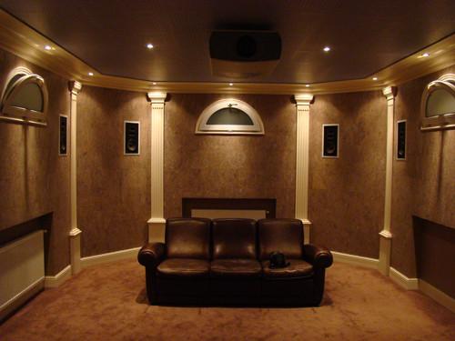 Персональный кинозал, 2008 г., Загородный дом (цокольный этаж), Акустика Klipsch THX-серия, проектор Vidikron (фото 2)