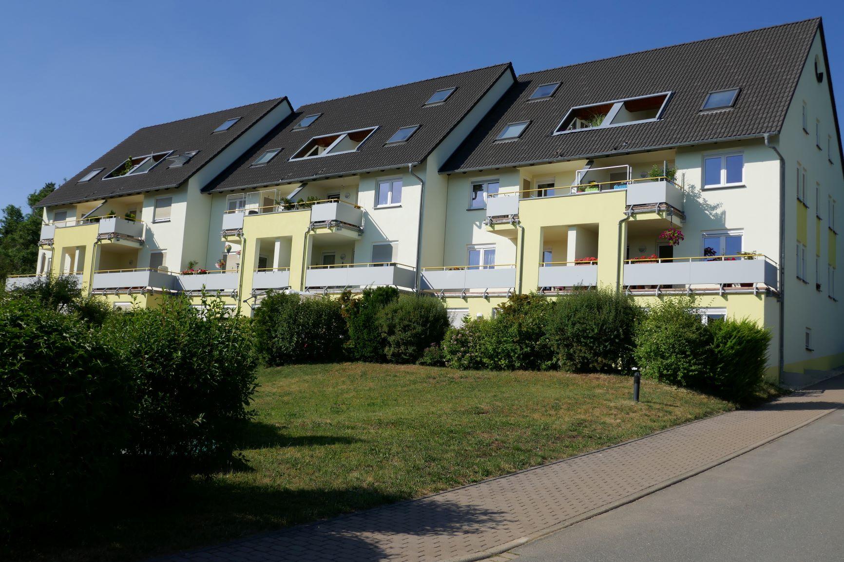 KLEE-HAUS BAUPARTNER GMBH setzt Qualitäts-Standard durch Permanent-Prüfung der Bauherren-Zufriedenheit