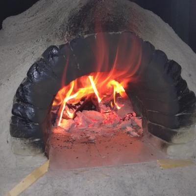 Nutzung Lehmofen - Holzofen heizen zum Brotbacken - Salzburg Oberösterreich