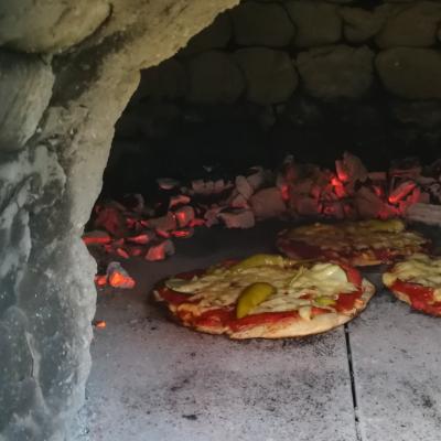 Nutzung Lehmofen - Pizzabacken im Holzofen- Salzburg Oberösterreich