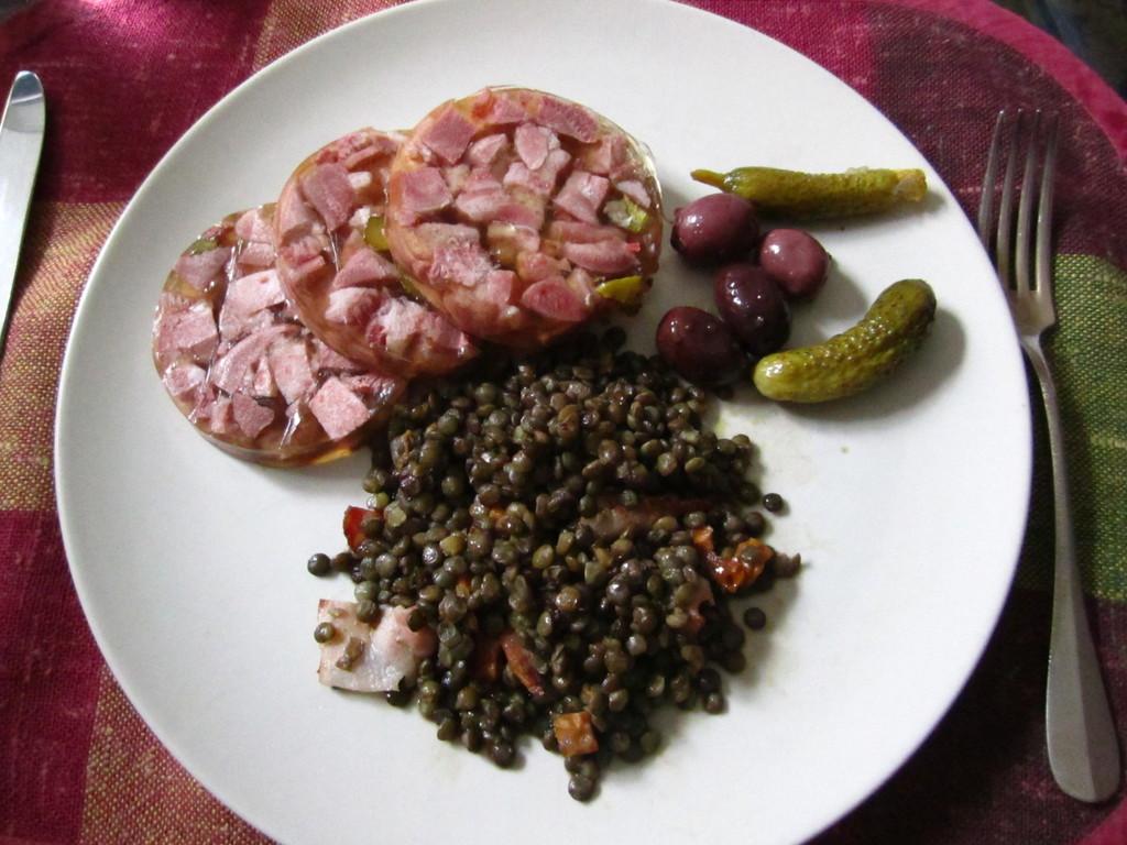 Tête marbrée et salade de lentilles