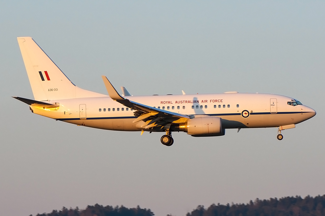 Australian Air Force arriving ZRH during winter-evening light