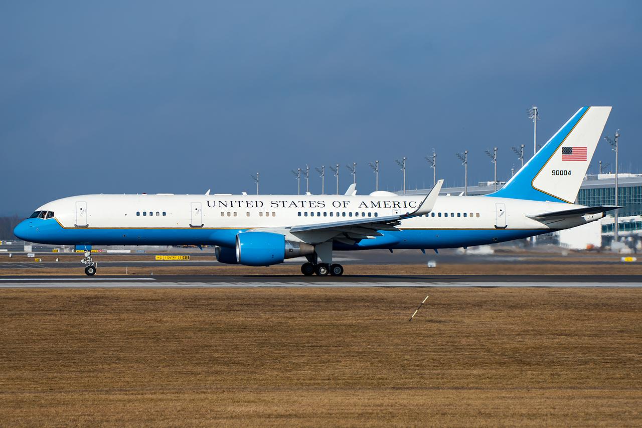 99-0004 // USAF // MUC