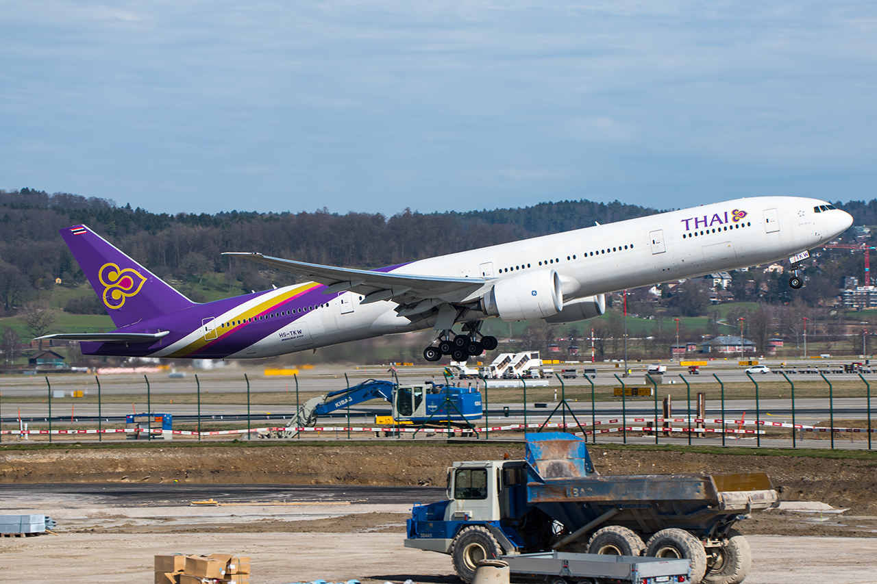 HS-TKW // Thai Airways International // ZRH