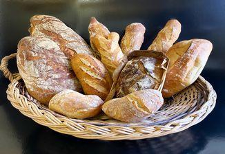 Découvrez nos pains classiques. complets, originaux