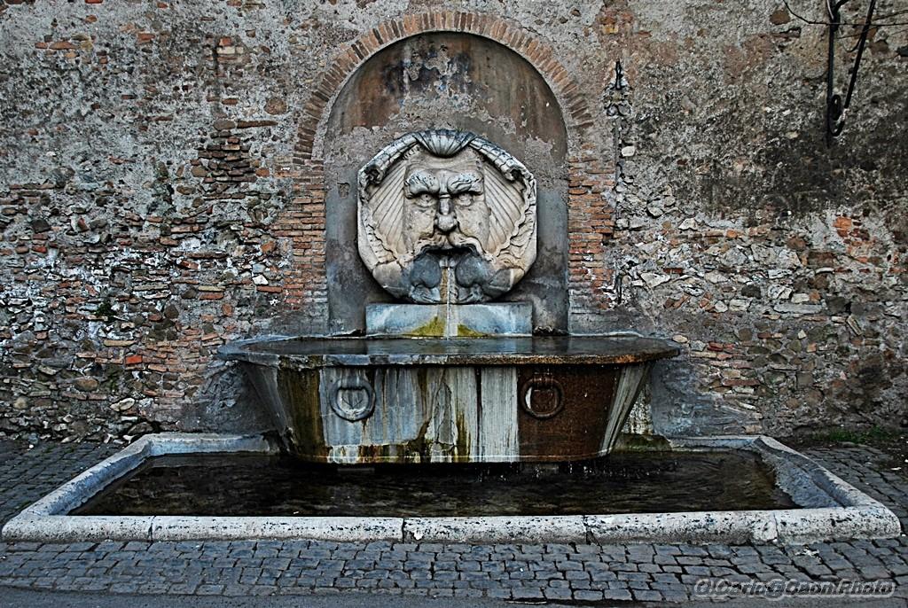 Fontana del Mascherone al Parco degli Aranci