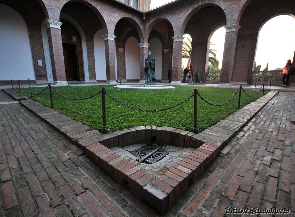 Chiesa Sant'Anselmo -la Corte Interna-