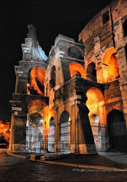 Lato sinistro Colosseo
