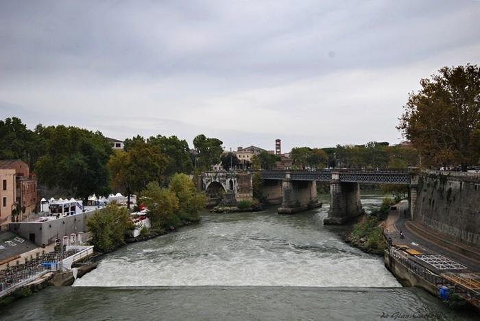 Ponte Emilio o Ponte Rotto Isola Tiberina