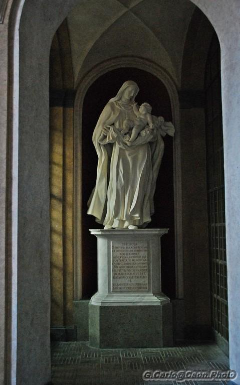 S.Sabina Statua