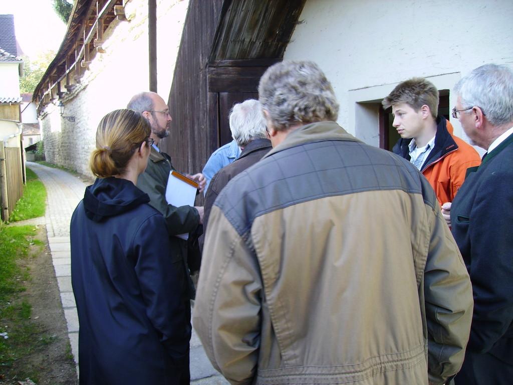 1. Besichtigung des Chinesenturms (Denkmalamt, Stadt Berching, Altstadtfreunde Berching) Herbst 2005