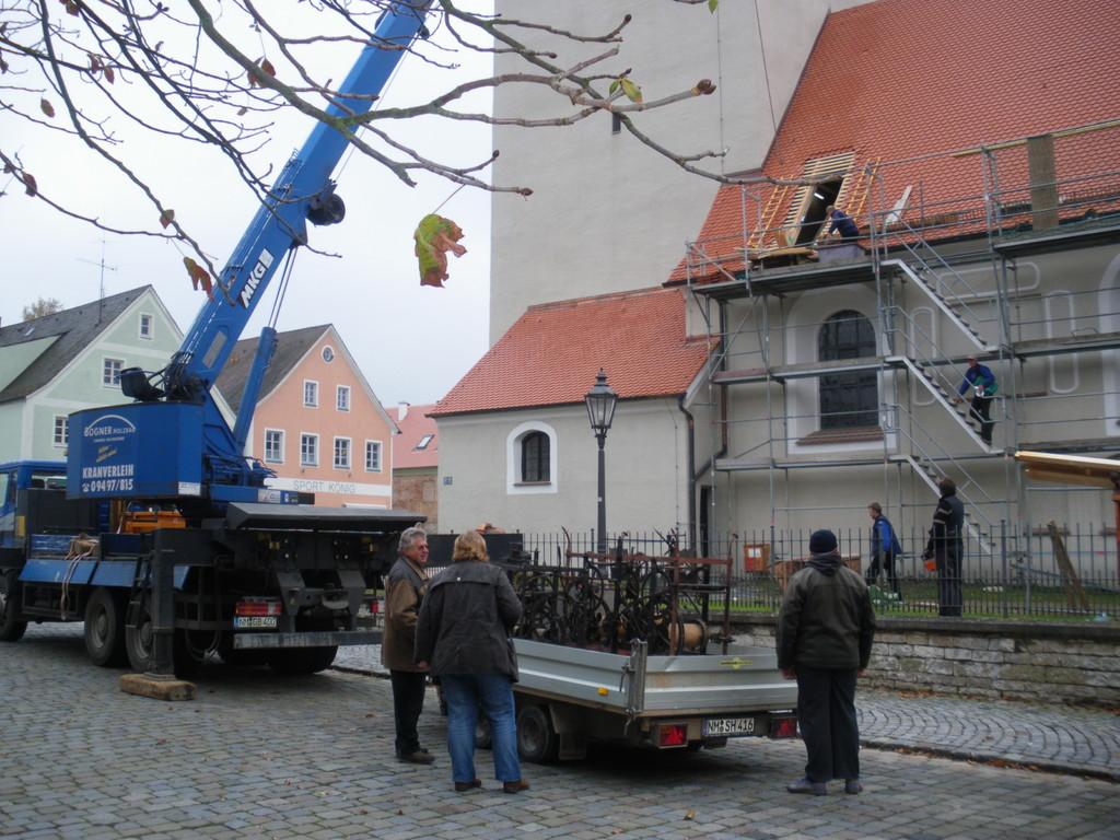 Sep. 2009: Die Uhrwerke der Lorenzkiche, Stadtpfarkiche und der Kirche Holnstein wurden von den Altstadtfreunden hergerichtet.