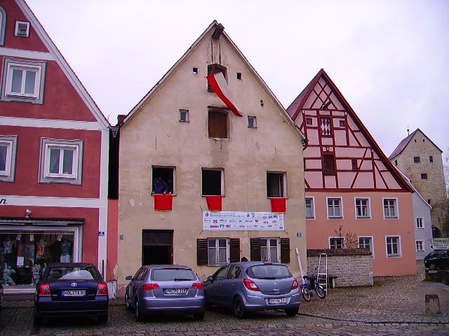 Das Soifererhaus, auch als Baustelle geschmückt (Primitz 2009)