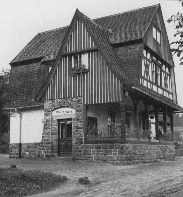 Bahnhofsgebäude in Hirschbach