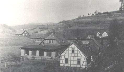 Wohnhaus Albrecht links Firma Knauer