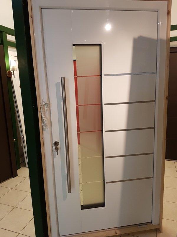 Alu-Haustür Weißenalbern neuer Preis: 2700€ statt 3600€