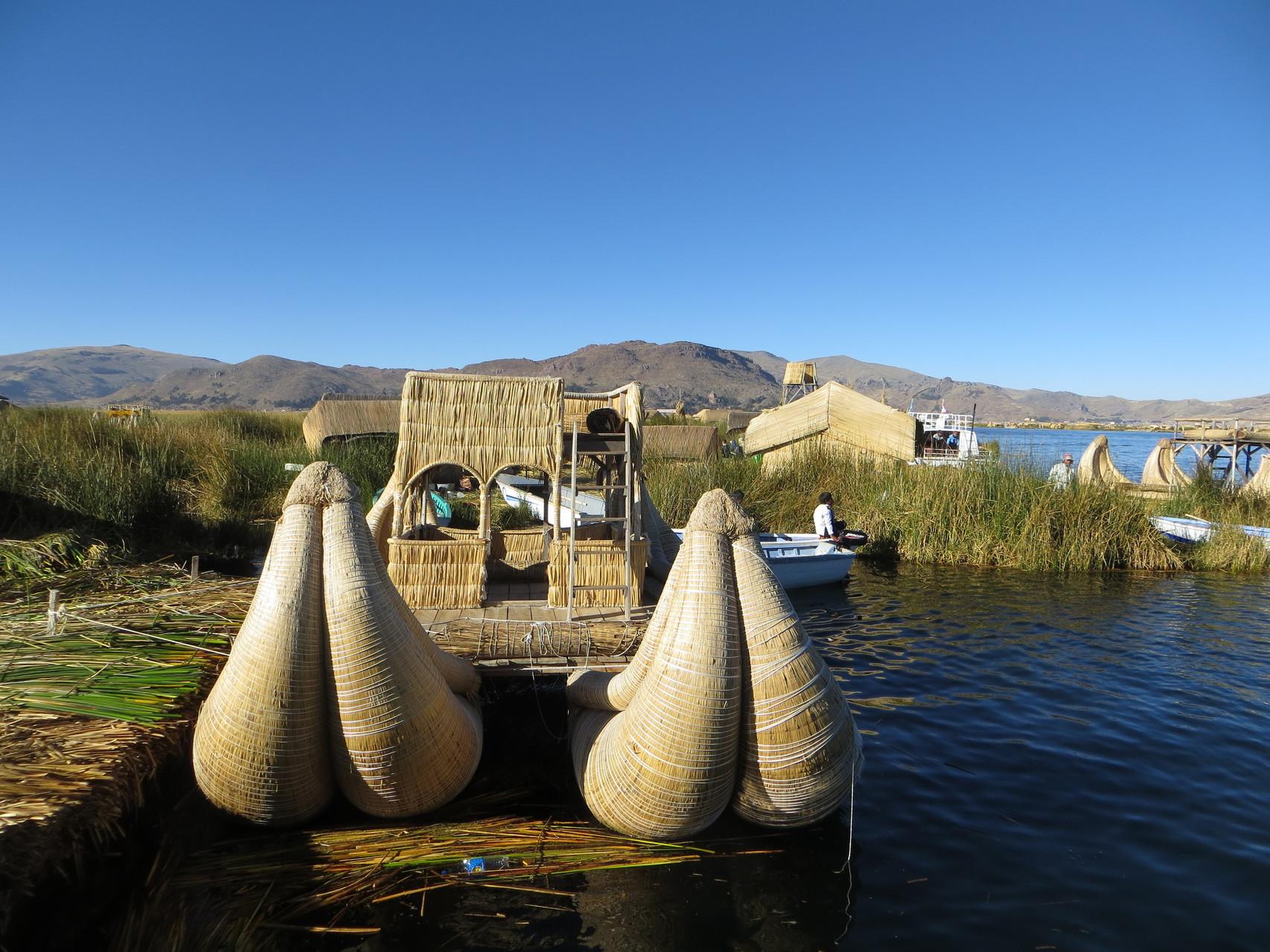 Uros du Pérou ( lac Titikaka)
