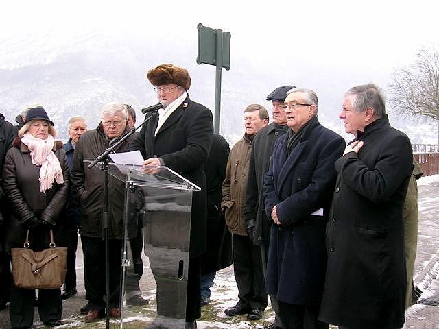 inauguration stèle Raymond février 2012