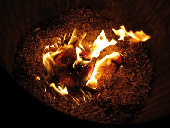 Und er brennt in der Räuchertonne