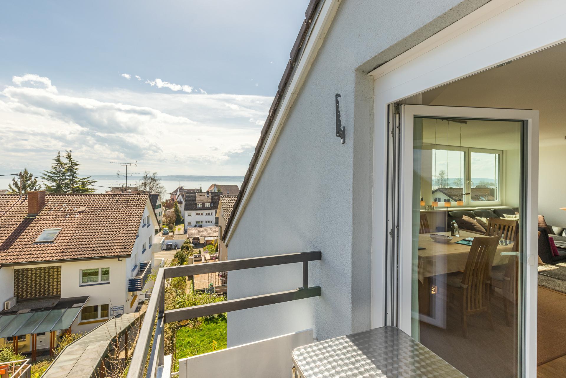 Balkon mit herrlichem See und Alpenblick