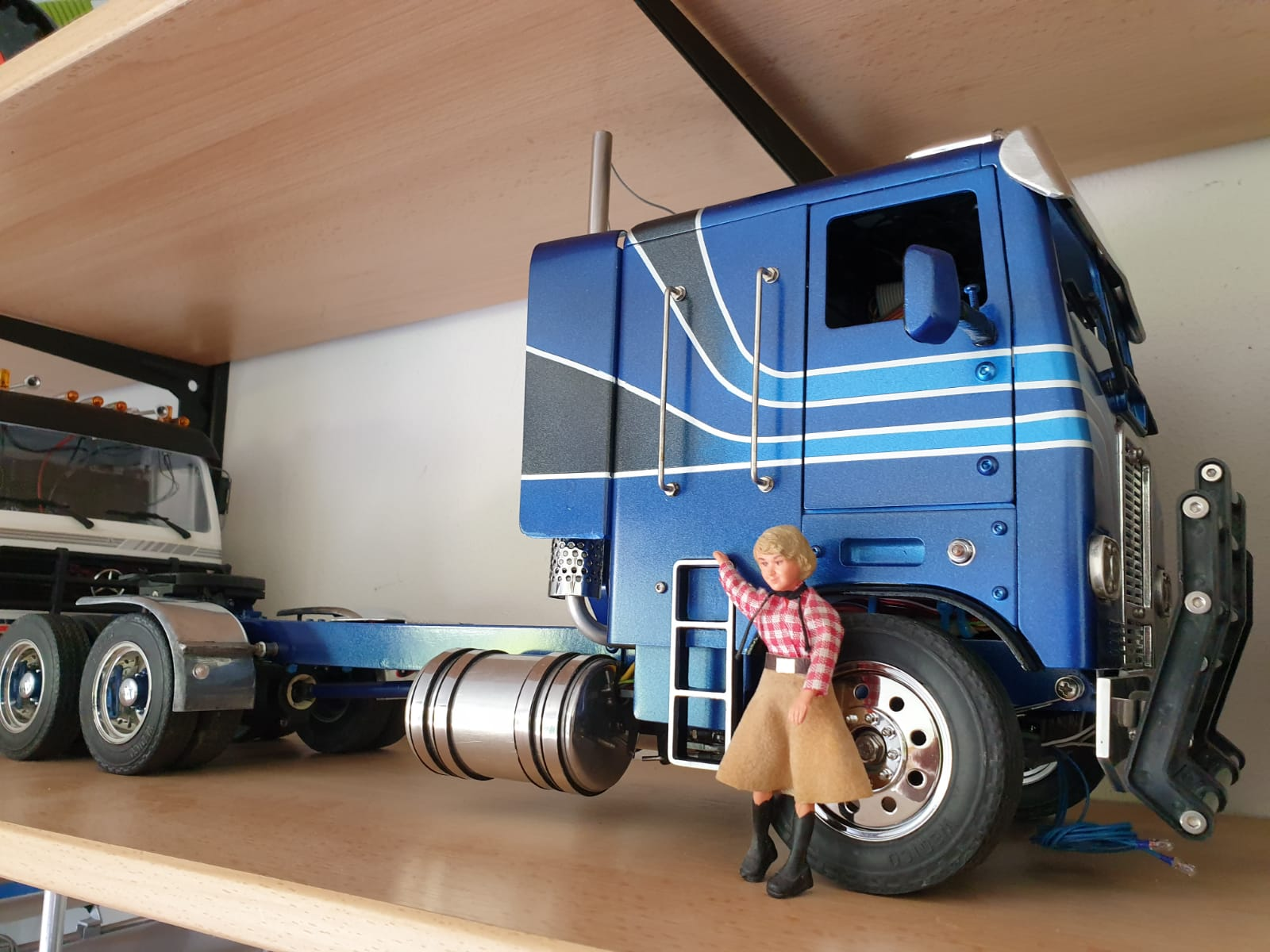 Freightliner FLT 8664T