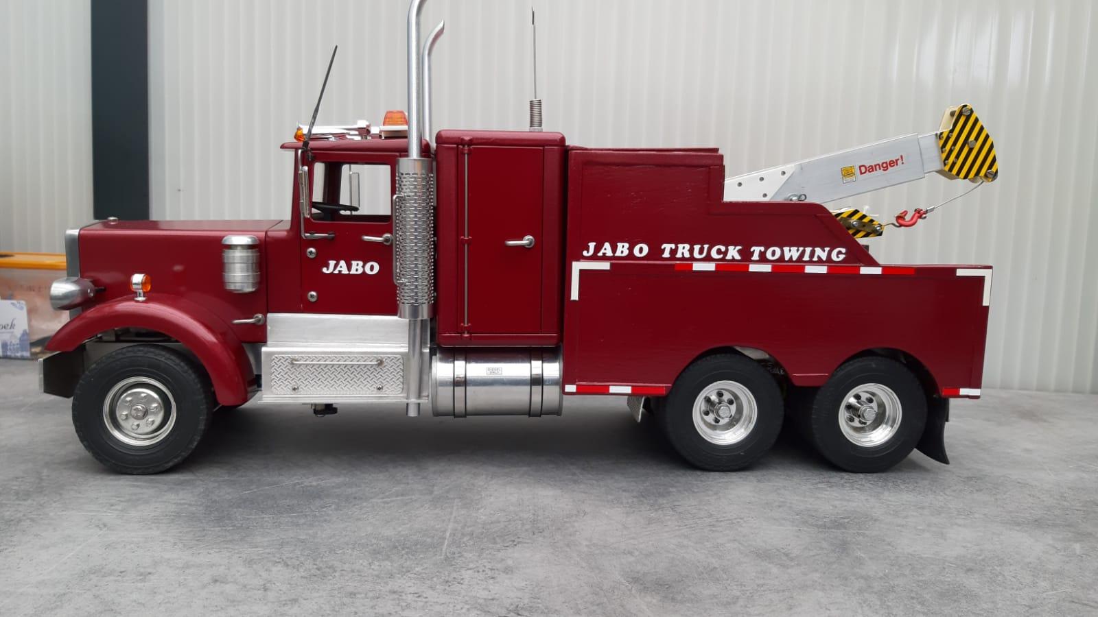 Peterbilt JaBo Tow Truck