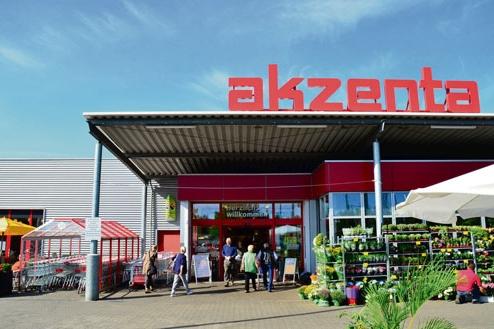 """Schulung zu Ökolandbau und Ökolebensmitteln für Auszubildende der """"akzenta""""-Supermärkte"""