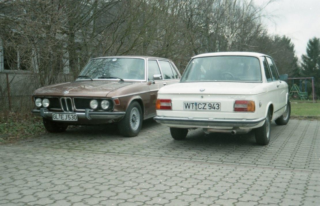 3,3LiA und 1502, beide Enden der BMW-Fahrzeugpalette