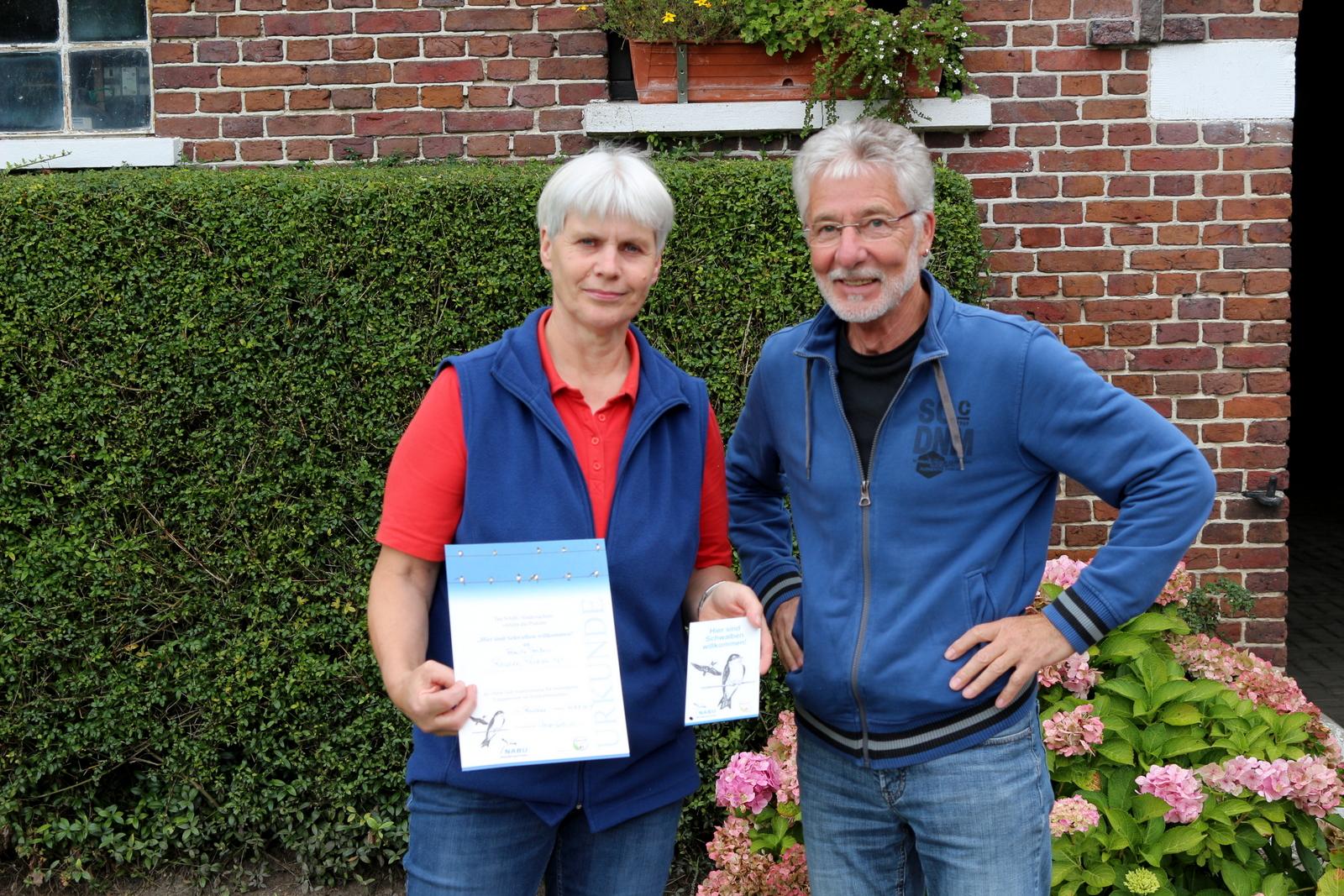 31.08.2017: Übergabe der Urkunde an Frau Janßen