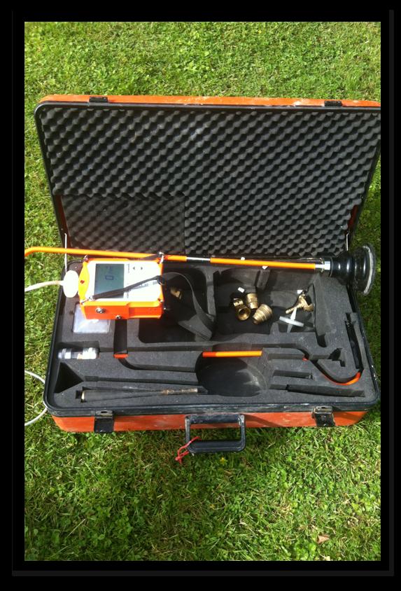 GAZ TRACEUR : La recherche de fuite sur les réseaux enterrés est très facilement détectable grâce à ce procédé où nous injectons le gaz traceur, ensuite détecté par un appareil spécifique