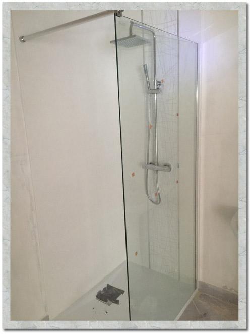 Création d'une douche à Marcoussis, receveur extra plat 3 cm 100 x 0.90, colonne de douche carré Thermo confort, Paroi OPEN verre transparent de sécurité 8 mm