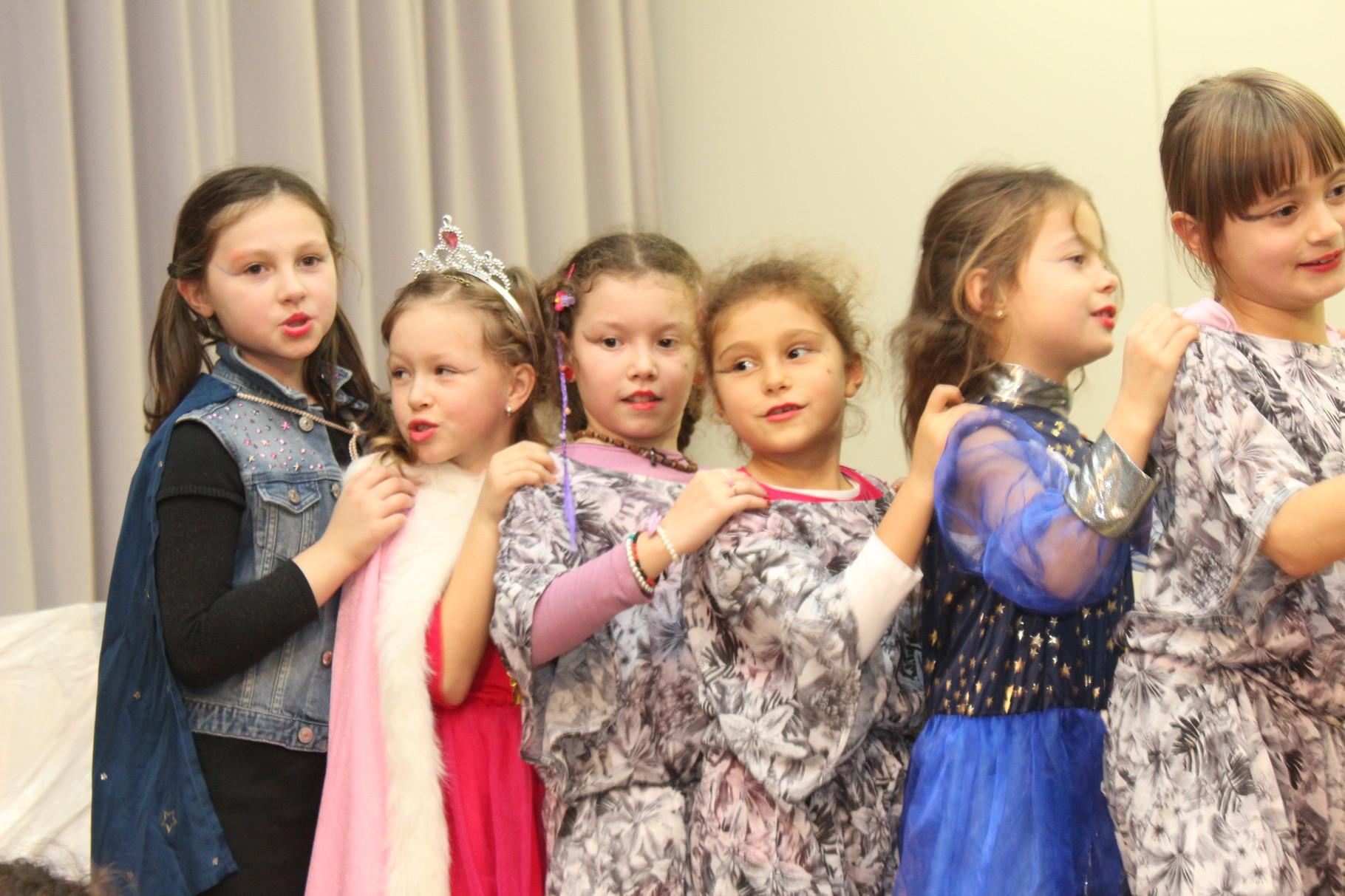 Aufführung Wunderland Prinzregentenschule