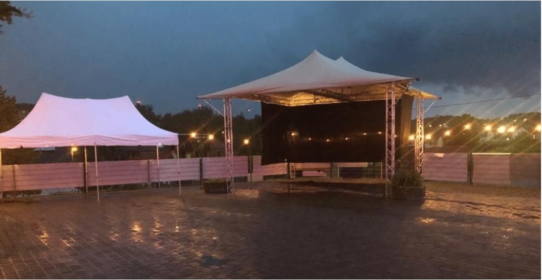 Das Schmuckstück unseres Festes war sicherlich die neue Bühne, die am Donnerstagabend einem Schlechtwetter Test unterzogen wurden.