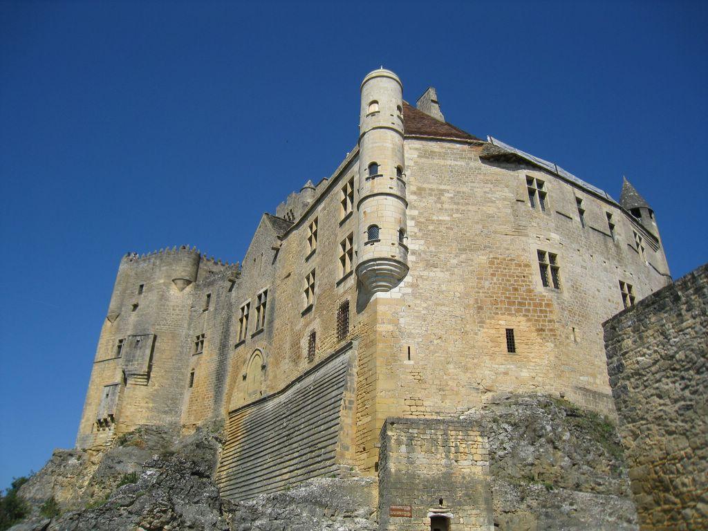 Le Château de Beynac, dans l'un des plus beaux villages de France - Crédit : F. Prédonzan
