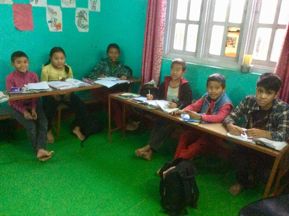 der neue Schul-Arbeitsraum im neuerbauten kleinen Haus