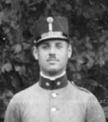 Max im Offiziersgruppenbild 1914.