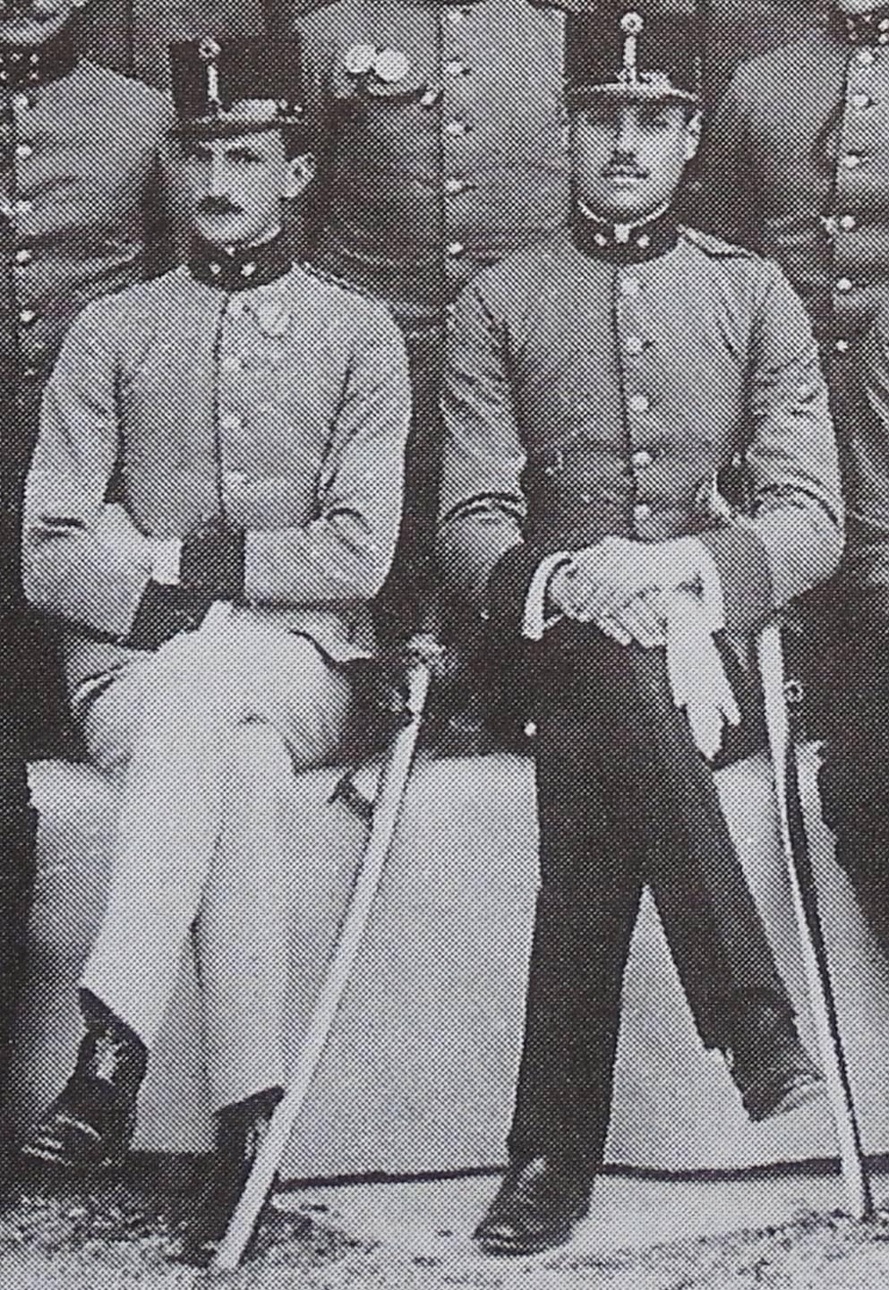Max als Leutnant mit Anton VALLNER, Kaserne Görz, vor 1914.
