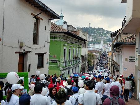 El pasado 24 de marzo, los  Ecuatorianos se manifestaron contra el crimen del aborto (Foto: manifestación Quito)
