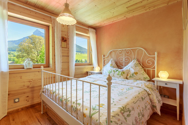 Gite-Chambre-Chamechaude-Holiday-Alps-Ferienhaus-Alpen