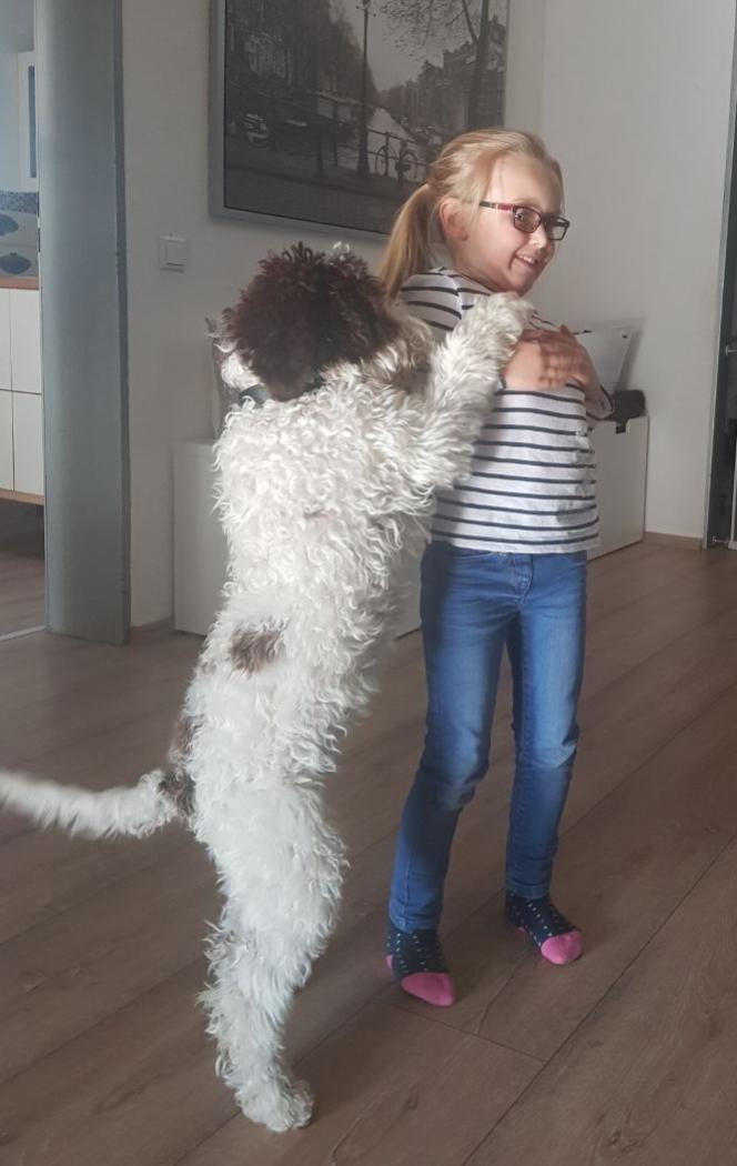 Sie ist schon fast so groß wie Mia.