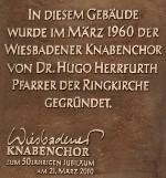 Die Gedenktafel am Gemeindehaus der Ringkirche