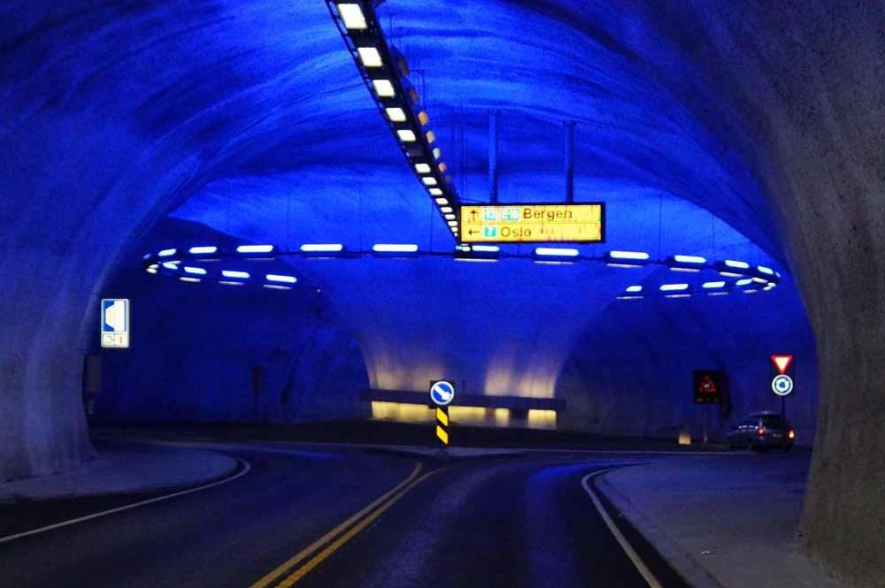 Kreisel im Tunnel