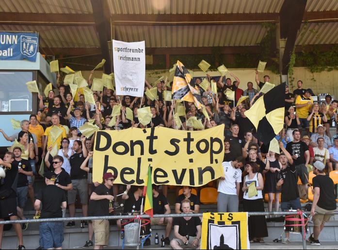 ST Scheyern auswärts 2017 beim Relegationsspiel gegen den TSV Ottobrunn