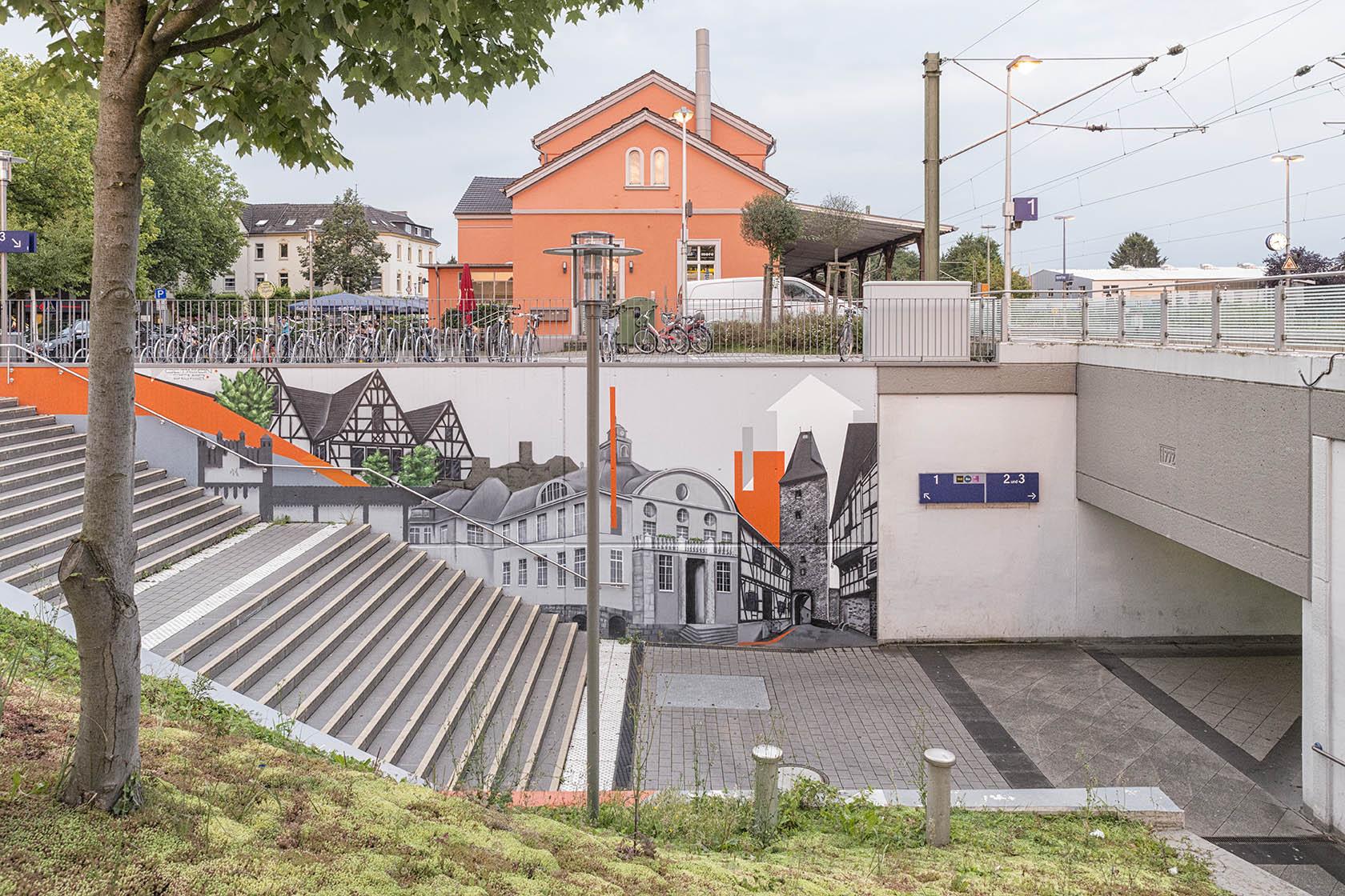 Hennef (Sieg), Empfangsgebäude und Infrastuktur