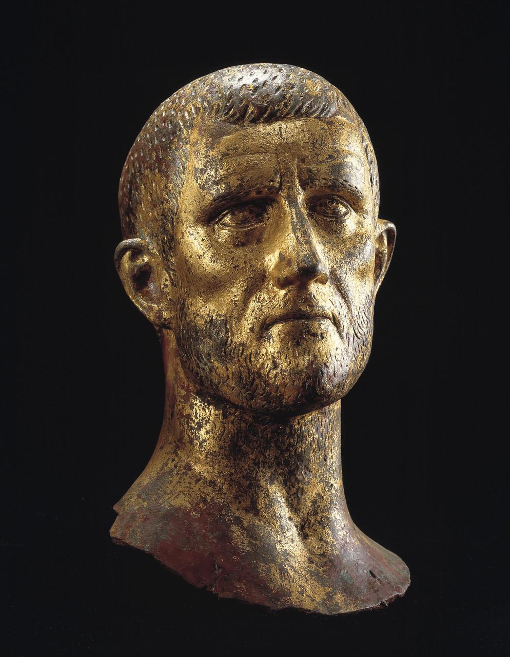 Ritratto maschile, cosiddetto Aureliano, 268-275 d.C. Bronzo dorato, altezza 37 cm Musei Civici d'Arte e Storia Brescia, Italia